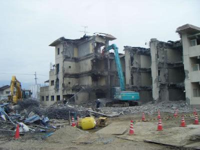RC3階建解体現場
